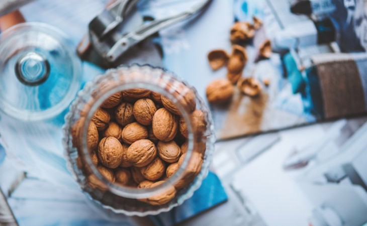 food-nature-autumn-nuts-large