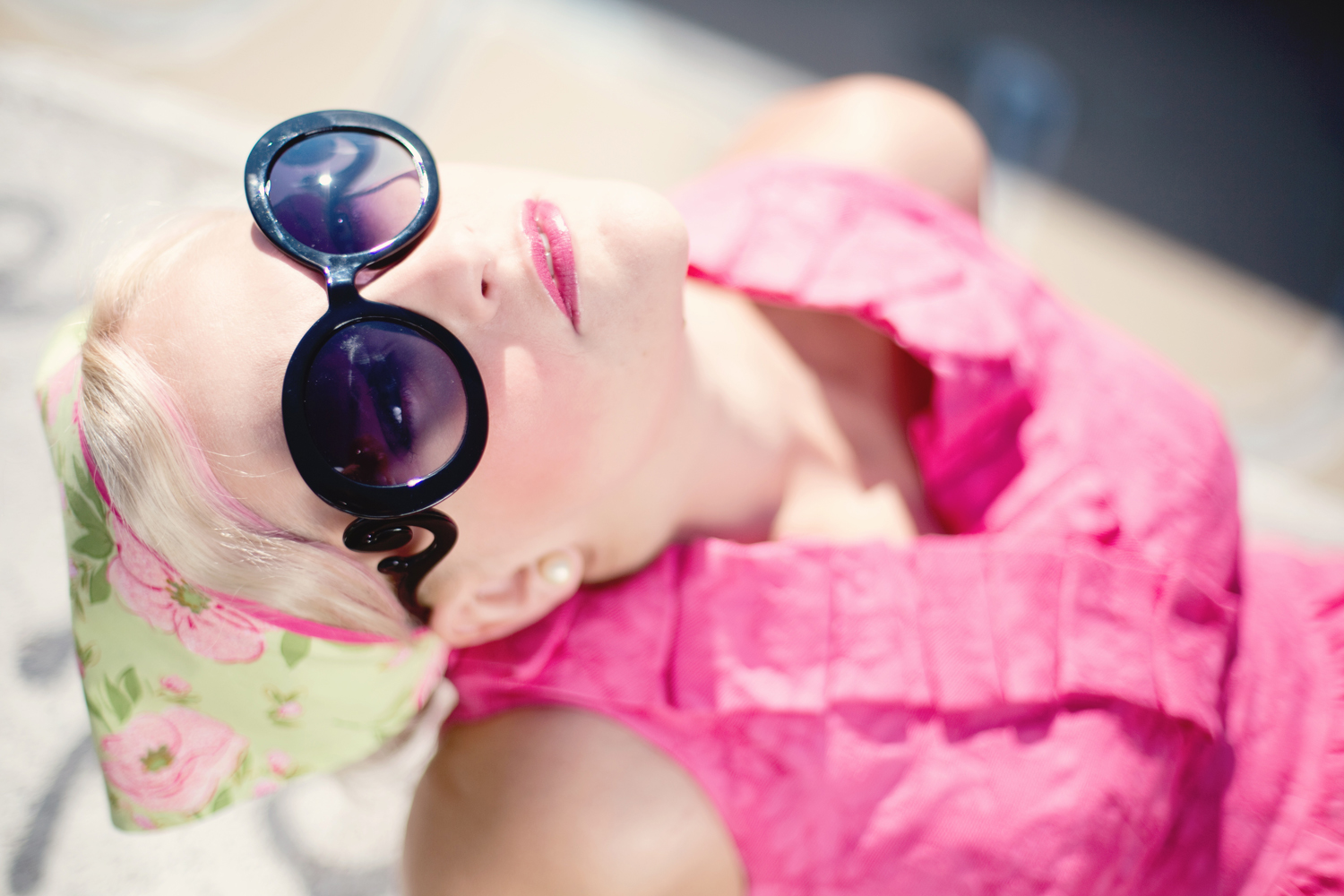 summer-young-woman-pretty-sunglasses